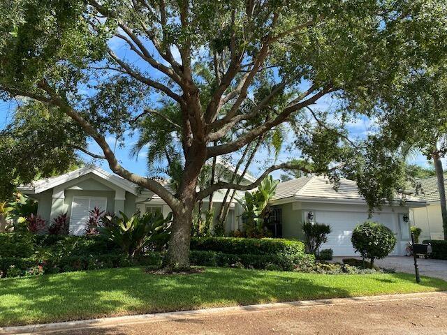 Photo of 105 Pembroke Drive, Palm Beach Gardens, FL 33418 (MLS # RX-10752535)