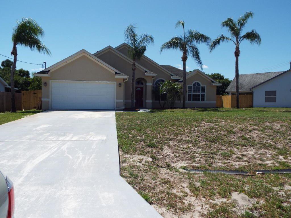 678 SW Pueblo Terrace, Port Saint Lucie, FL 34953 - #: RX-10619536