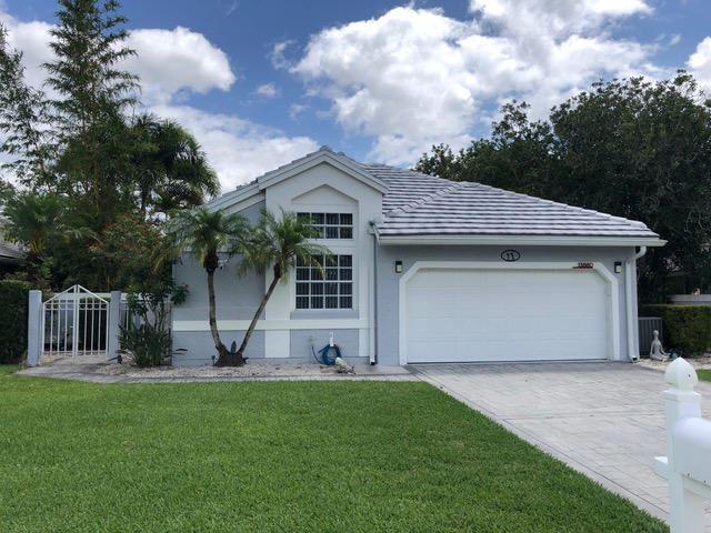 Photo of 13880 Crosspointe Court, Palm Beach Gardens, FL 33408 (MLS # RX-10711539)