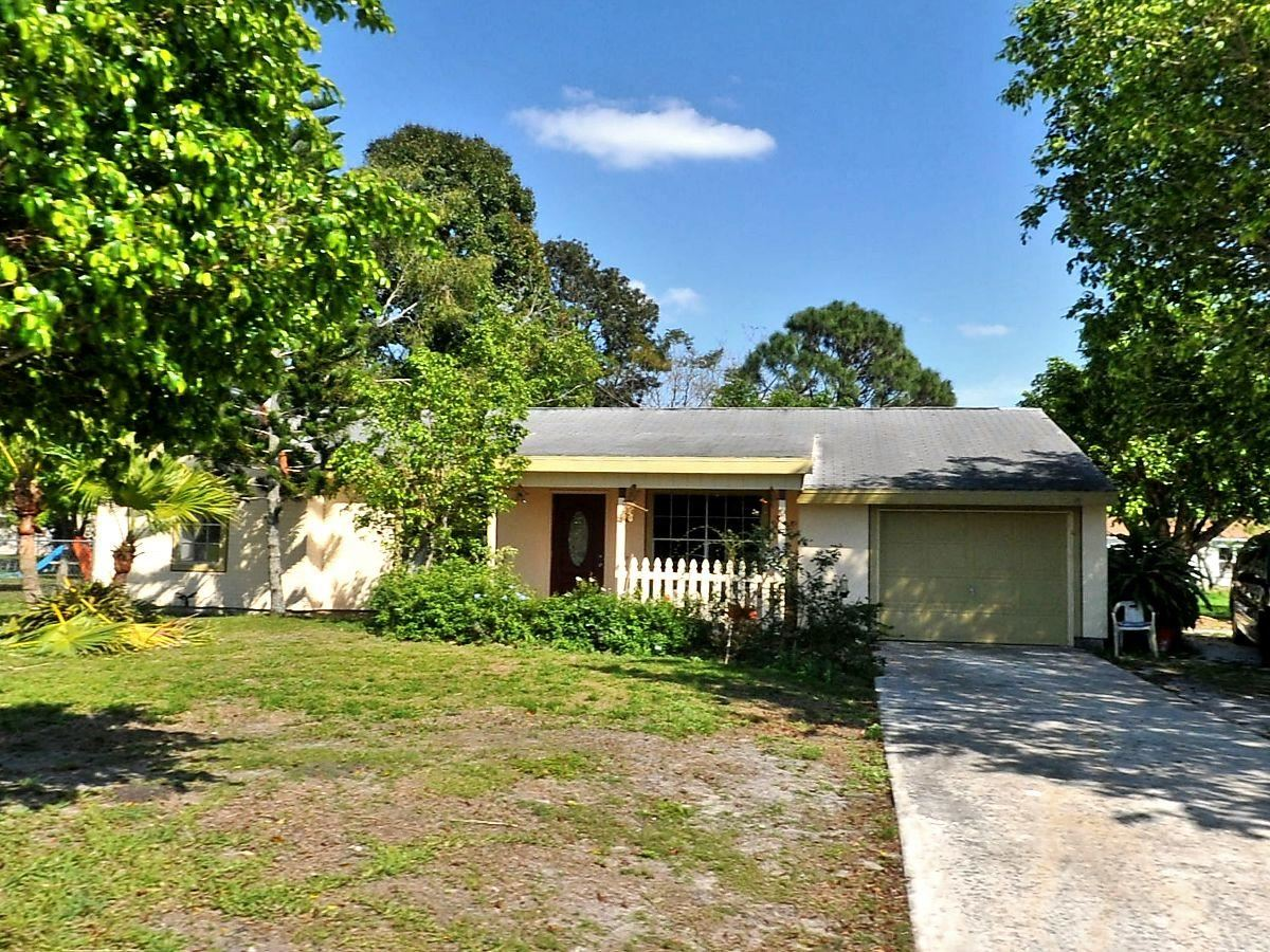 429 SW Bridgeport Drive, Port Saint Lucie, FL 34953 - #: RX-10617540
