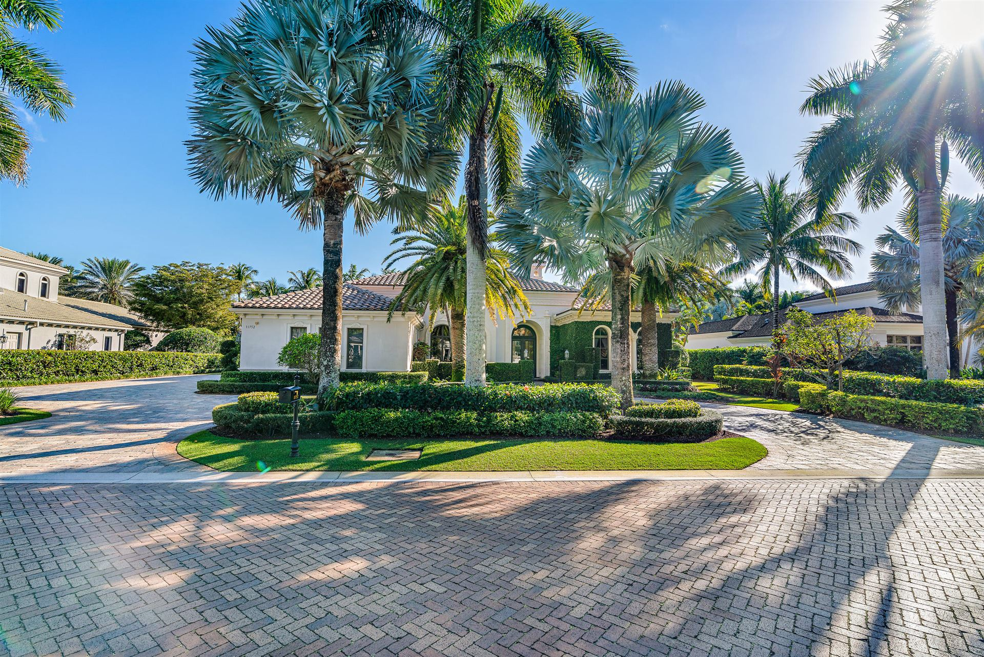 Photo of 11752 Elina Court, Palm Beach Gardens, FL 33418 (MLS # RX-10692541)