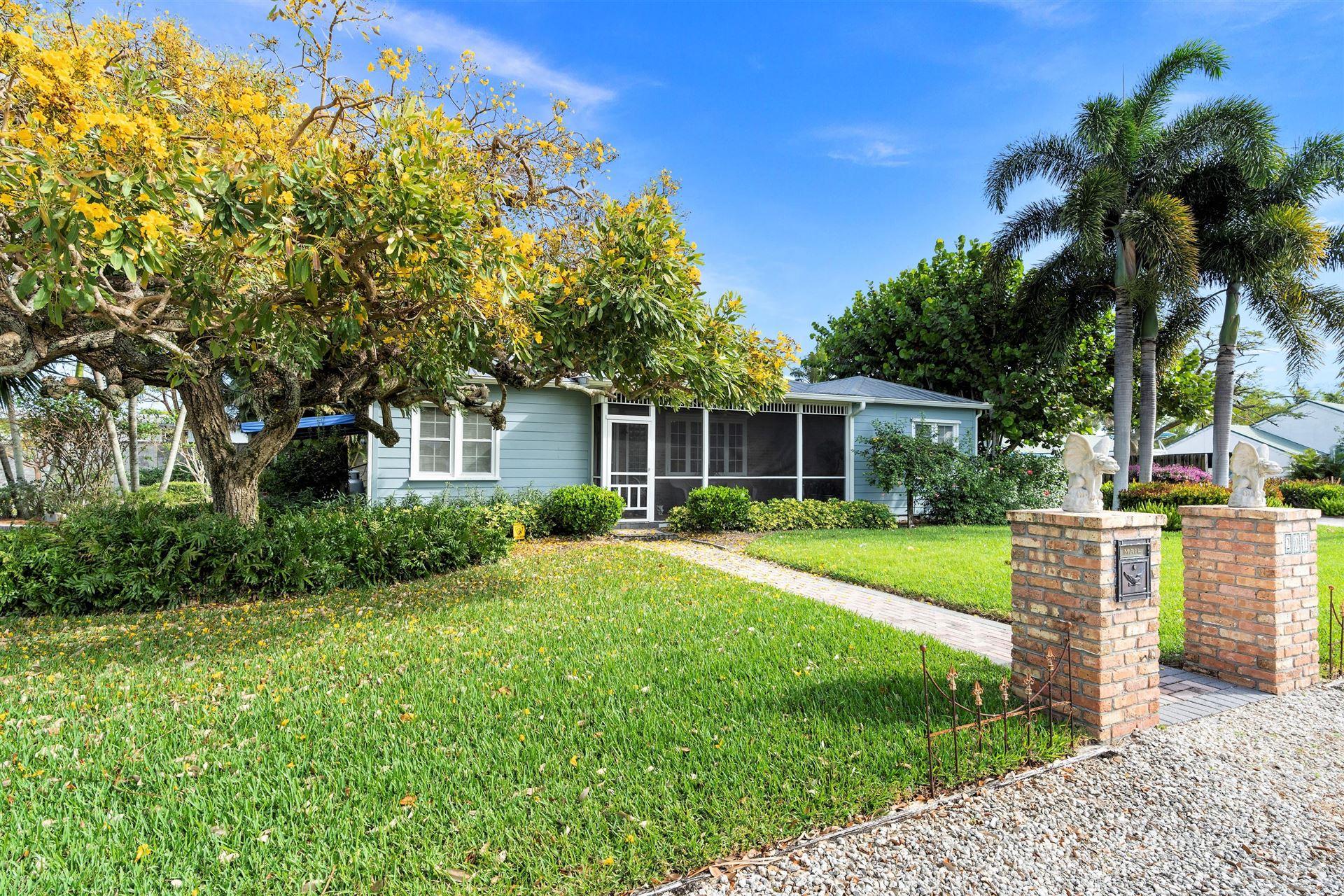 Photo of 201 SE Lonita Street, Stuart, FL 34994 (MLS # RX-10714544)