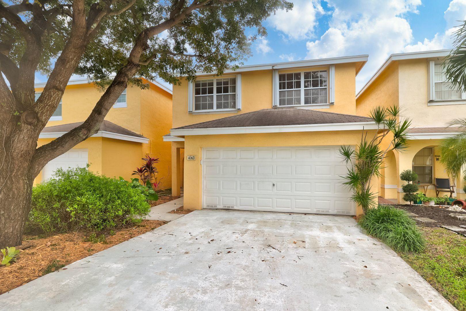 Photo of 4063 Eastridge Circle, Deerfield Beach, FL 33064 (MLS # RX-10670545)