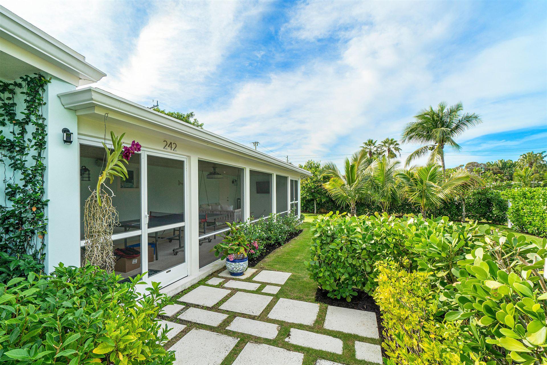 242 Linda Lane, West Palm Beach, FL 33405 - #: RX-10683545