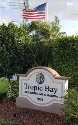 Foto de inmueble con direccion 930 Dogwood Drive #155 Delray Beach FL 33483 con MLS RX-10643547