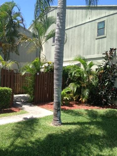 Photo of 21 Crossings Circle #A, Boynton Beach, FL 33435 (MLS # RX-10601548)