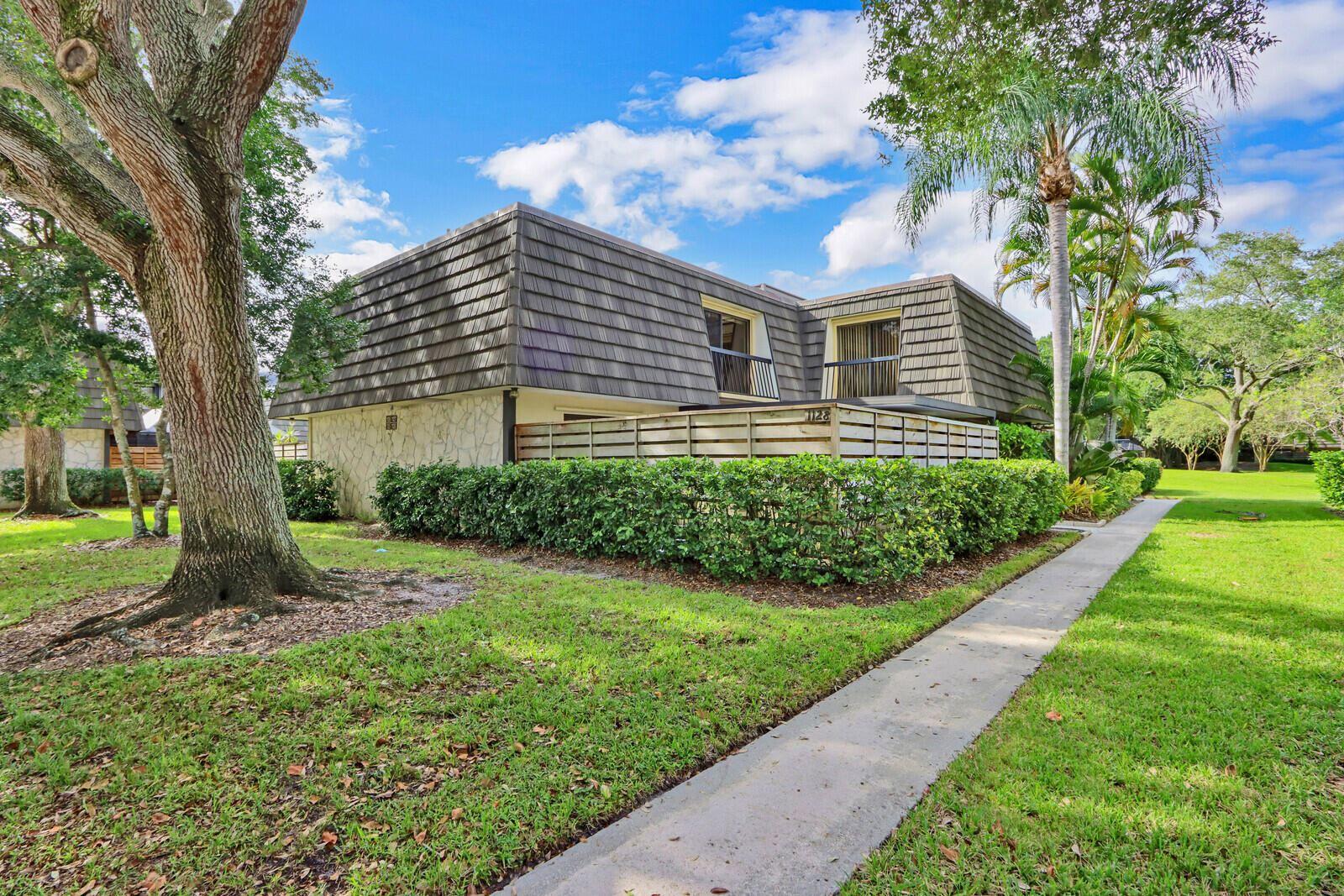 1128 11th Terrace, Palm Beach Gardens, FL 33418 - MLS#: RX-10750548