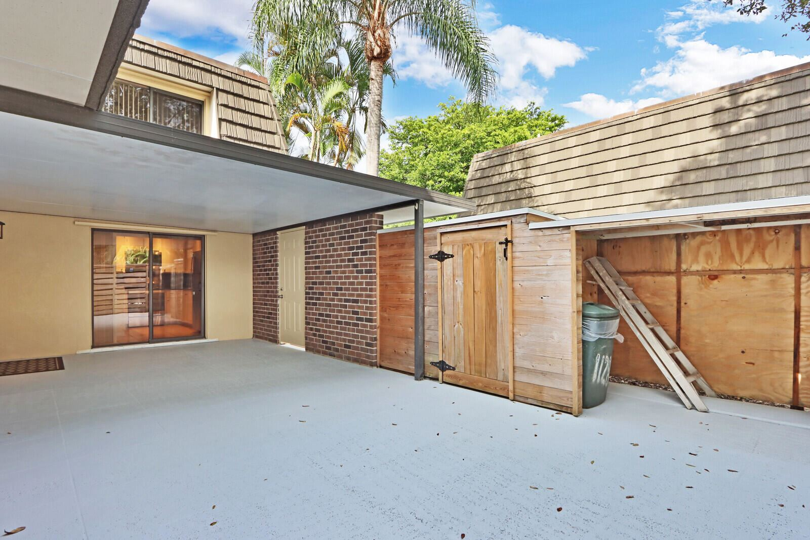 Photo of 1128 11th Terrace, Palm Beach Gardens, FL 33418 (MLS # RX-10750548)