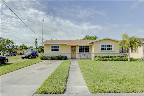 Foto de inmueble con direccion 5300 SW 20th Street West Park FL 33023 con MLS RX-10622551