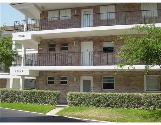 Photo of 1501 S Ocean Boulevard #227, Lauderdale By The Sea, FL 33062 (MLS # RX-10672551)
