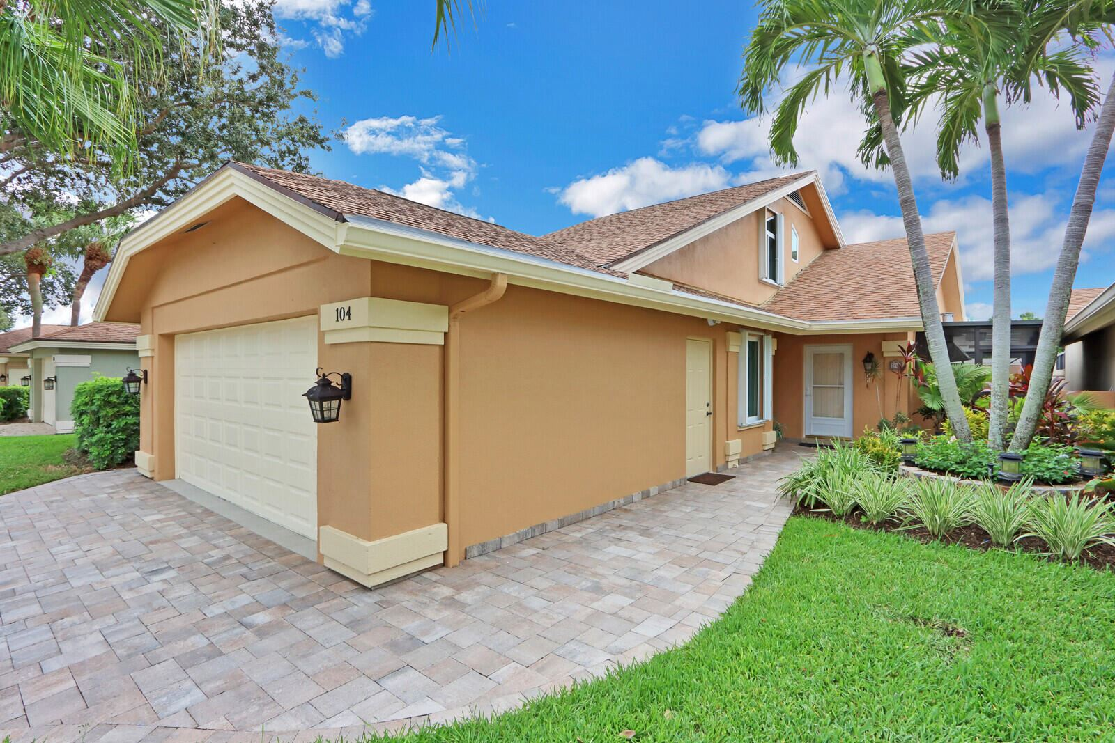Photo of 104 Ridge Road, Jupiter, FL 33477 (MLS # RX-10747552)