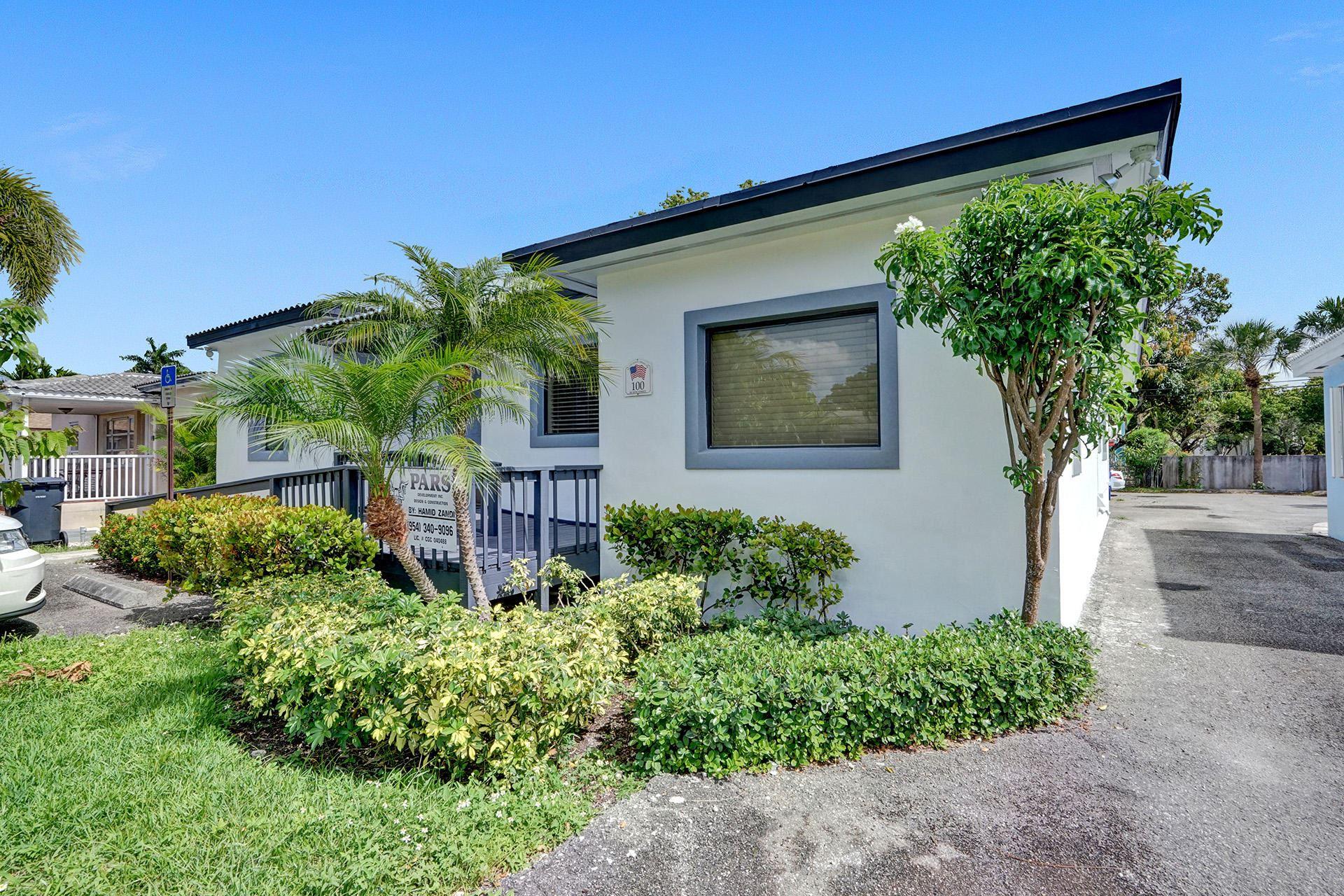 Photo of 100 SE 20 Street, Fort Lauderdale, FL 33316 (MLS # RX-10717553)