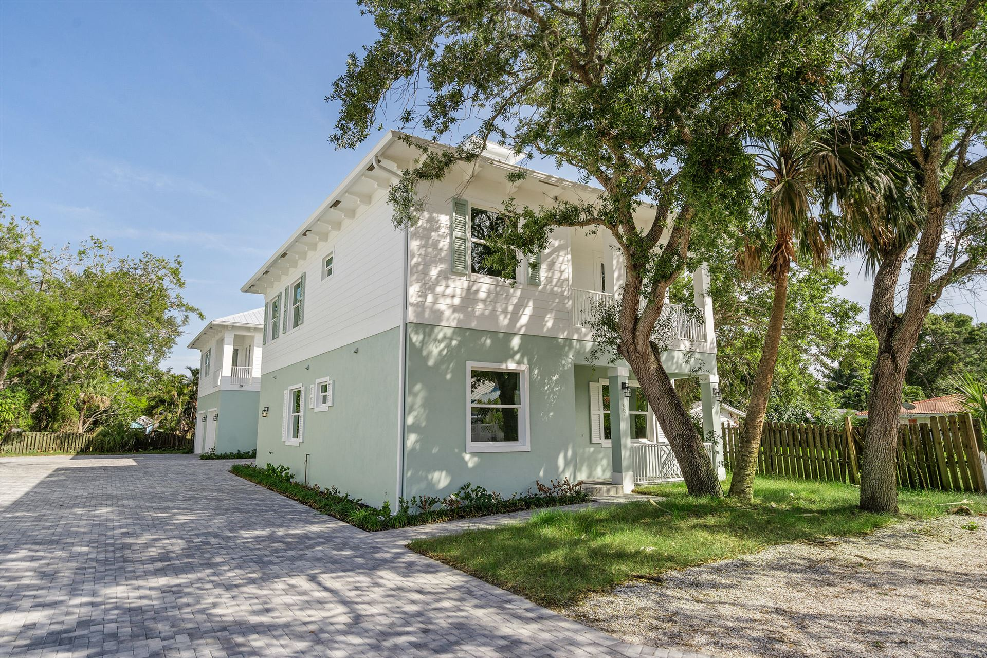 667 SW Cleveland Avenue, Stuart, FL 34994 - #: RX-10737554