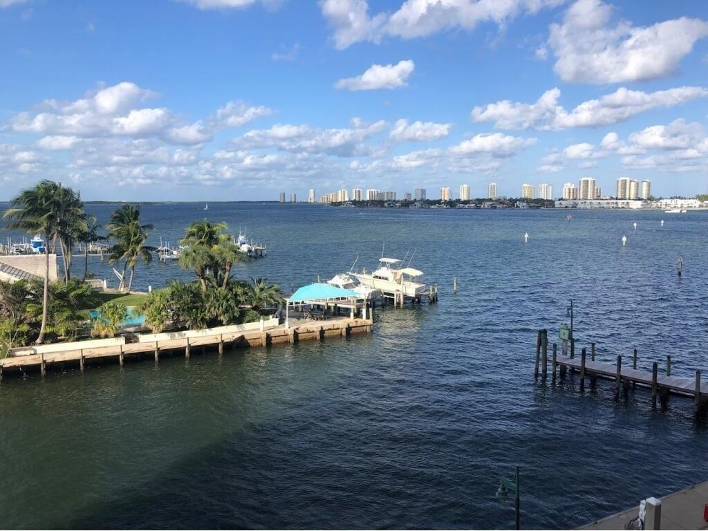 2650 Lake Shore Drive #404, Riviera Beach, FL 33404 - #: RX-10753554