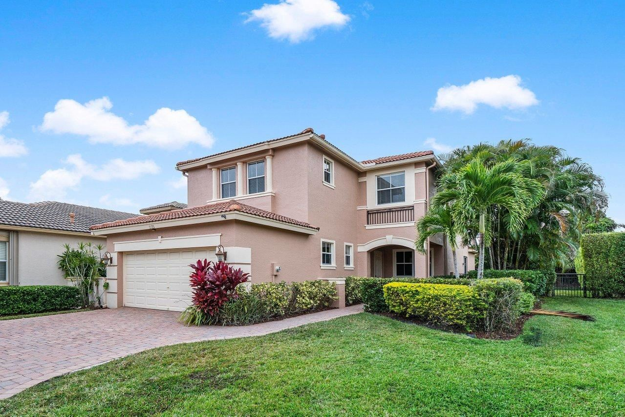 Photo of 235 Isle Verde Way, Palm Beach Gardens, FL 33418 (MLS # RX-10685559)