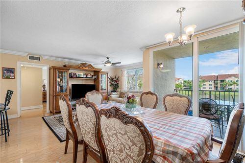 Photo of 816 Villa Circle, Boynton Beach, FL 33435 (MLS # RX-10696561)