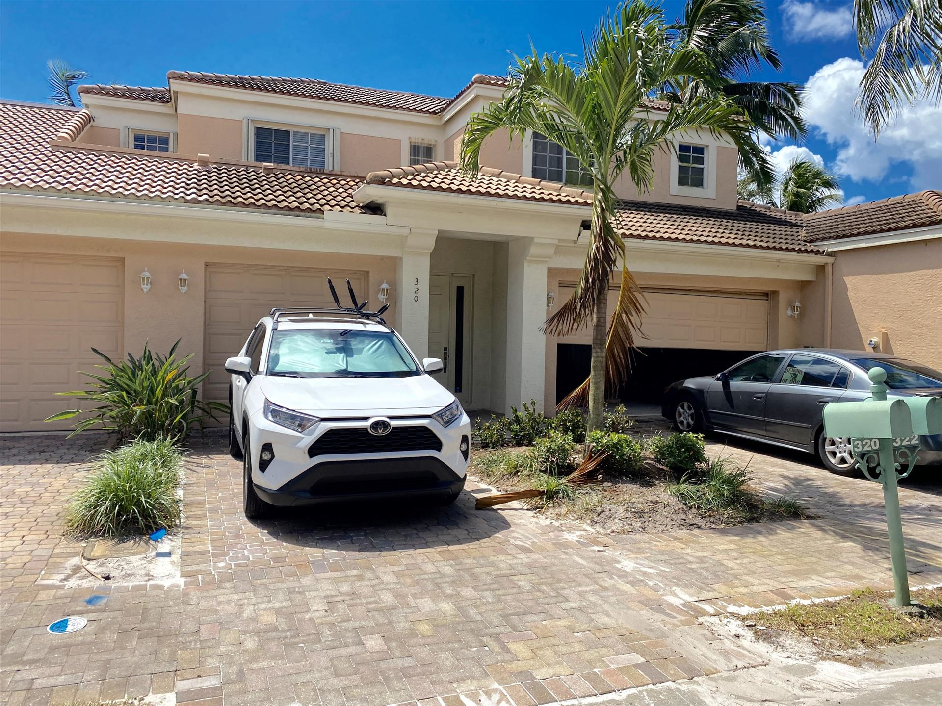 Photo of 320 Commons Way, Palm Beach Gardens, FL 33418 (MLS # RX-10661562)