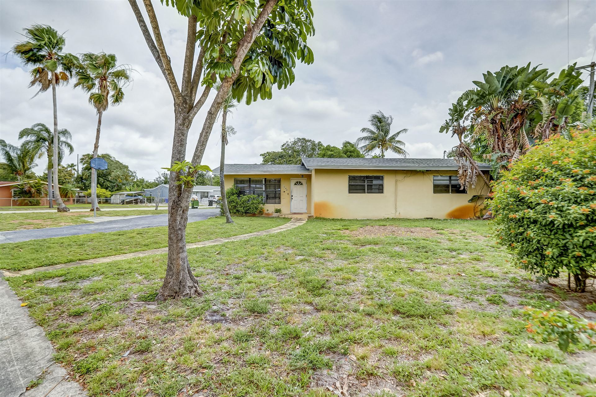 Photo of 1548 NW 11th Way, Fort Lauderdale, FL 33311 (MLS # RX-10711564)