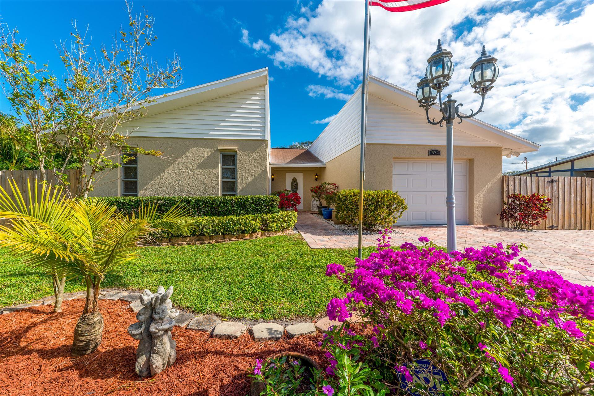 574 SE Brookside Terrace, Port Saint Lucie, FL 34953 - #: RX-10698565