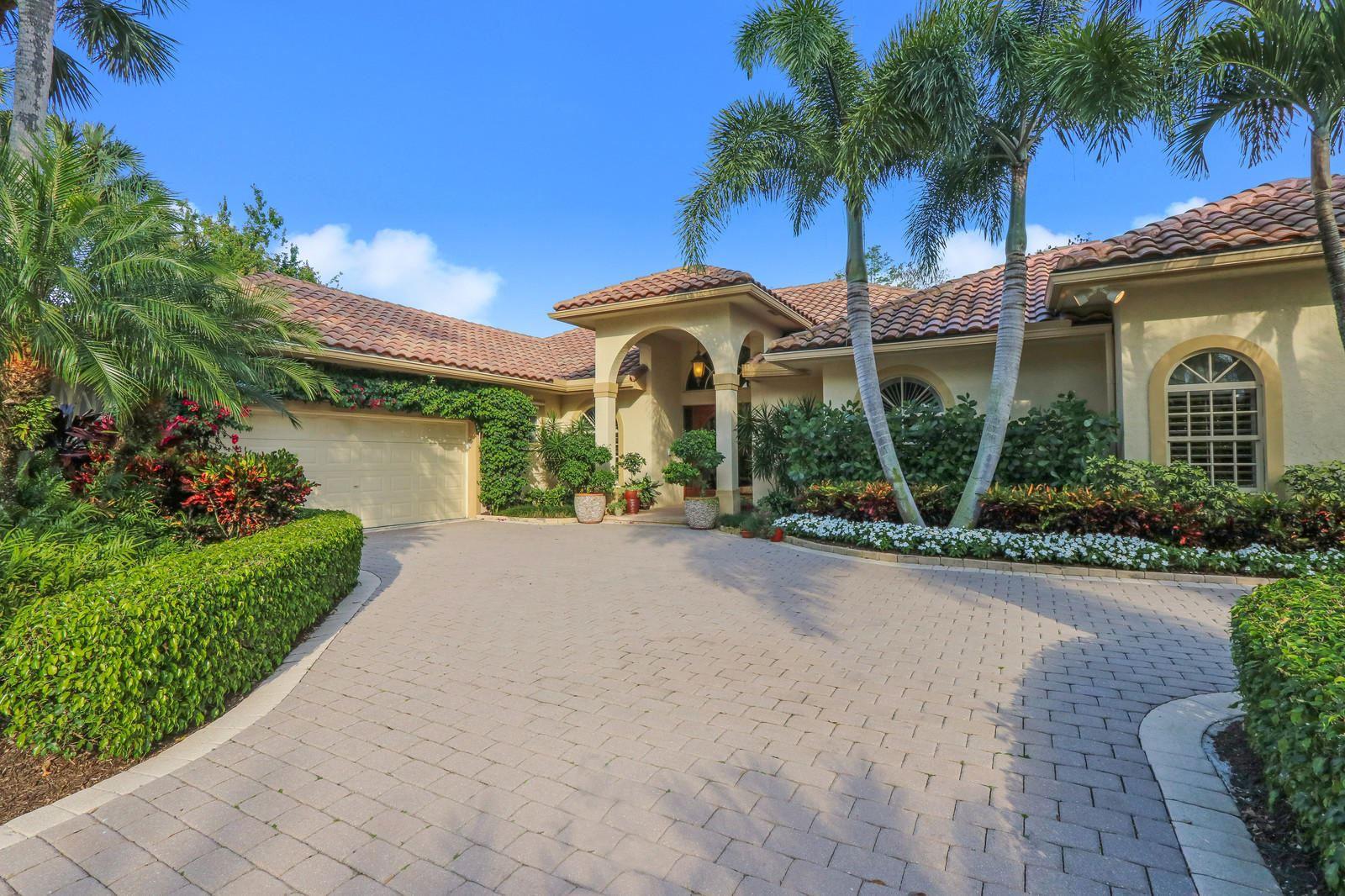 Photo of 16 Cayman Place, Palm Beach Gardens, FL 33418 (MLS # RX-10709565)