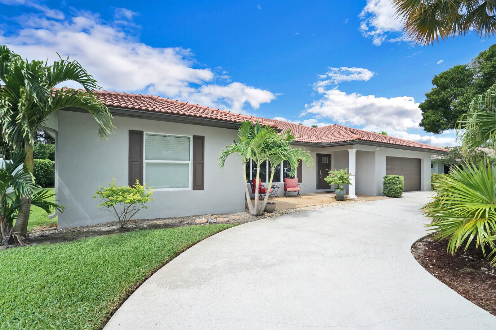 Photo of 650 SW 16th Street, Boca Raton, FL 33486 (MLS # RX-10716572)