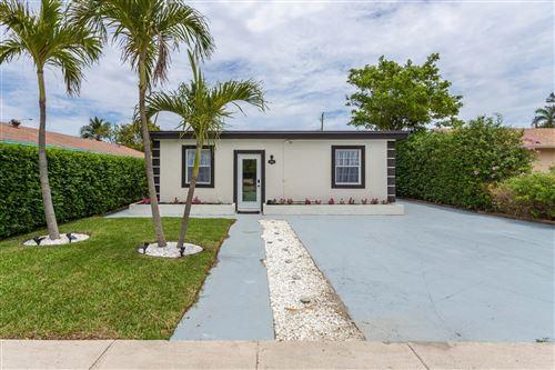 Photo of 605 SE 2nd Avenue E, Delray Beach, FL 33483 (MLS # RX-10712573)