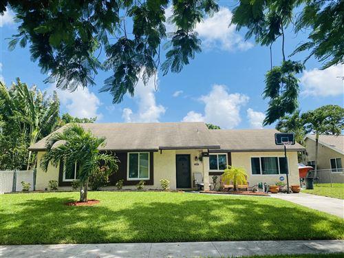 Photo of 5143 El Claro S, West Palm Beach, FL 33415 (MLS # RX-10745584)