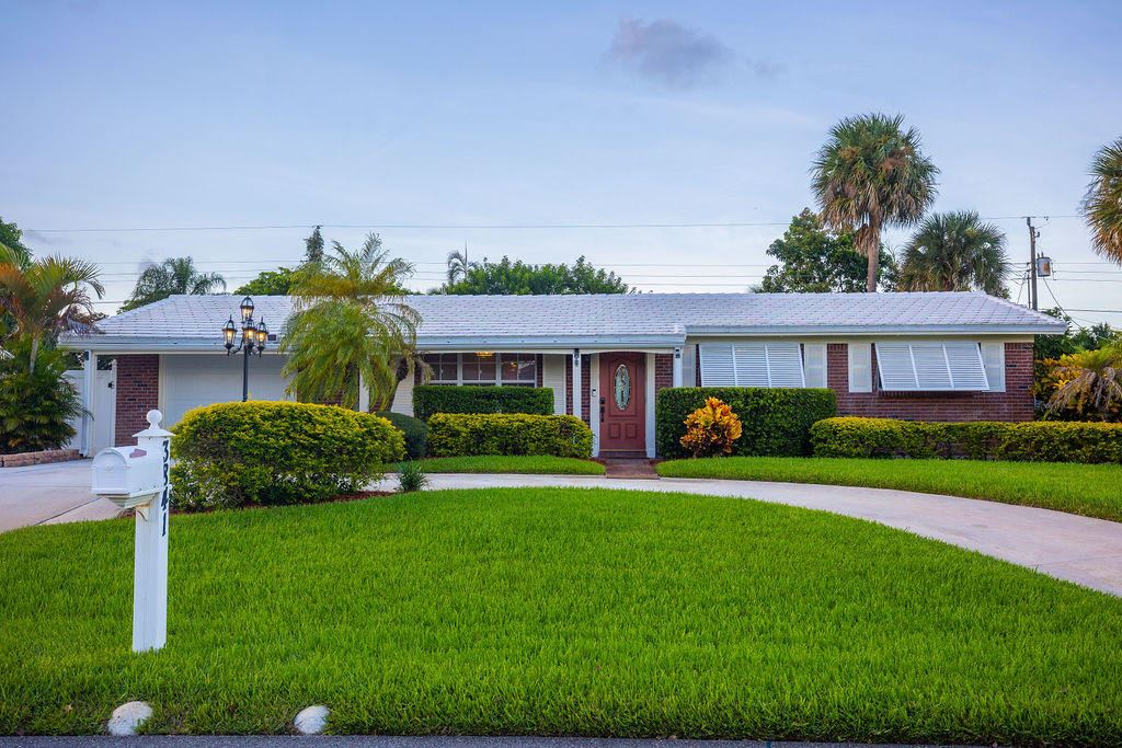 3841 Lighthouse Drive, Palm Beach Gardens, FL 33410 - #: RX-10652589