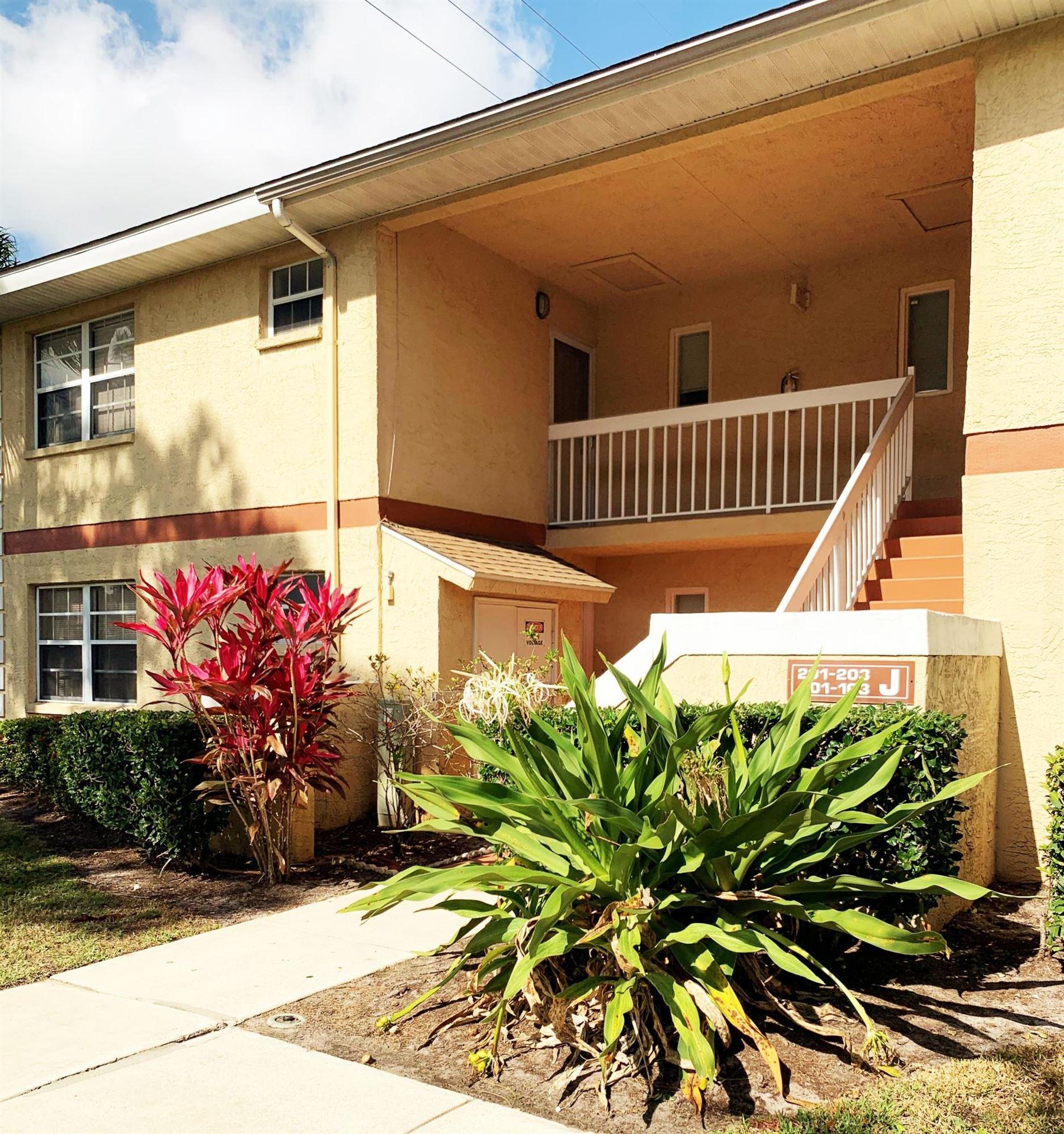 1542 SE Royal Green Circle #103, Port Saint Lucie, FL 34952 - #: RX-10689589