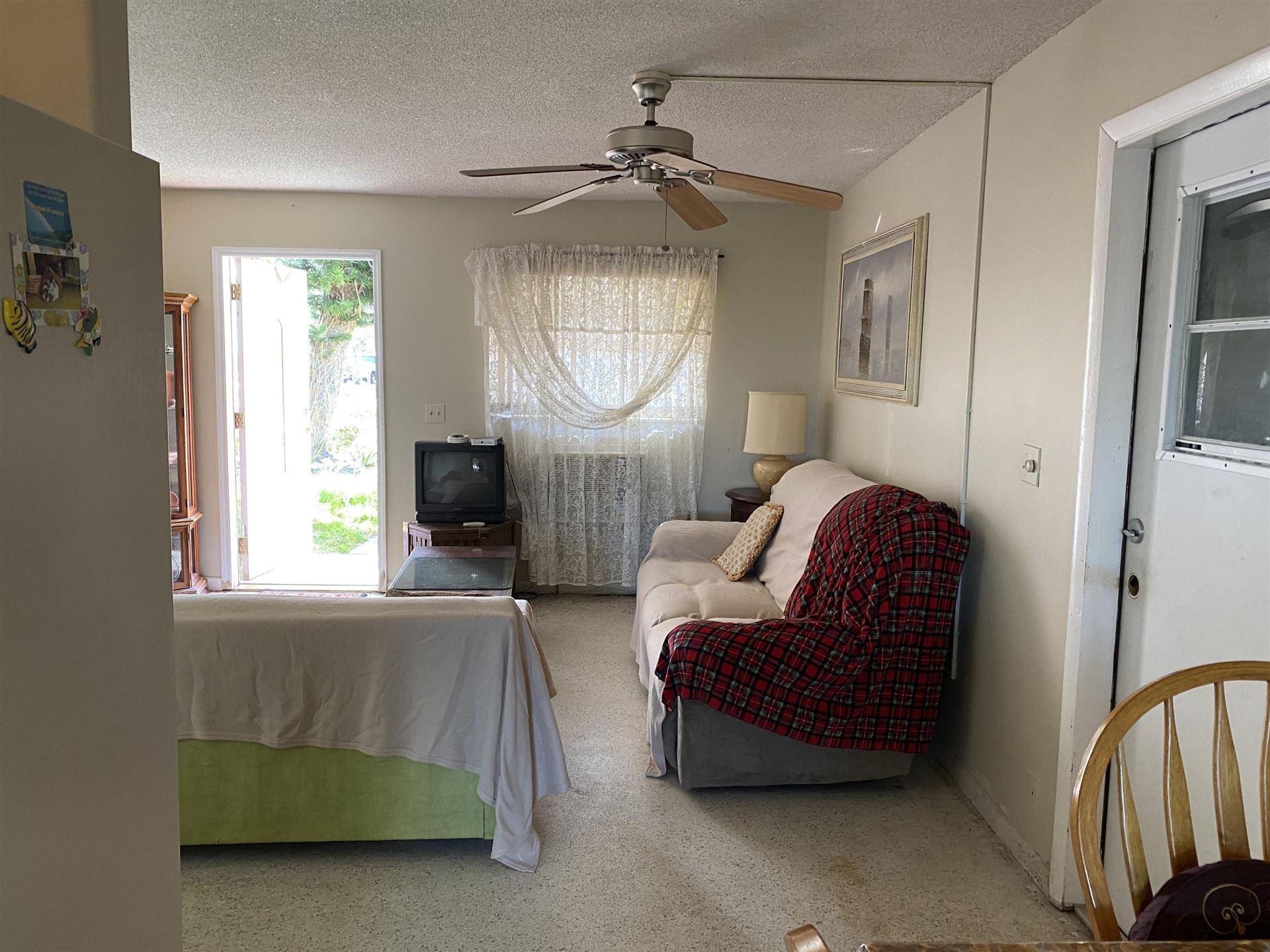 Photo of 907 SE 10th Street, Stuart, FL 34994 (MLS # RX-10685590)