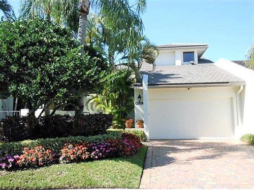 Photo of 19472 Island Court Drive, Boca Raton, FL 33434 (MLS # RX-10657592)
