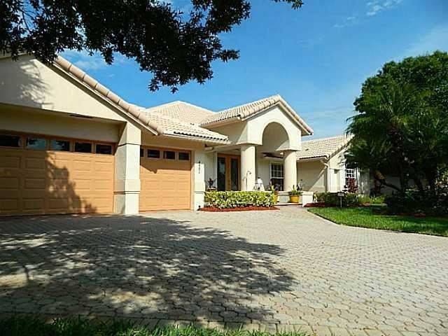 Photo of 4881 SW Golfside Drive, Palm City, FL 34990 (MLS # RX-10707593)