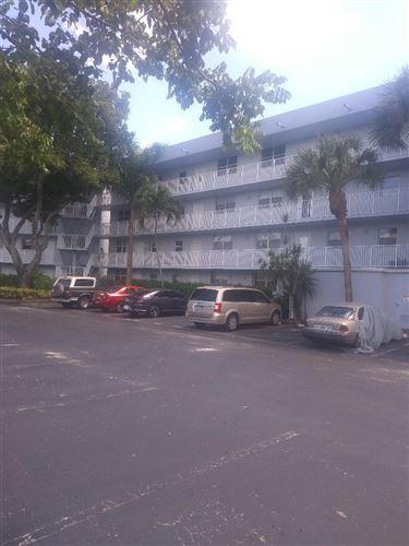 Photo of 116 Royal Park Drive #3b, Oakland Park, FL 33309 (MLS # RX-10735594)