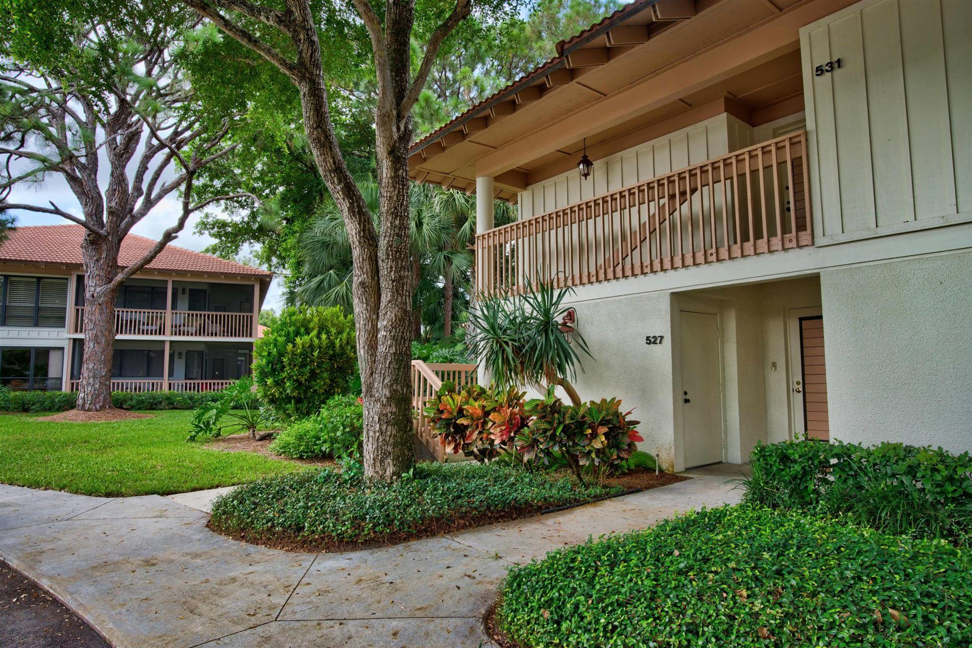 Photo of 531 Brackenwood Place, Palm Beach Gardens, FL 33418 (MLS # RX-10632595)