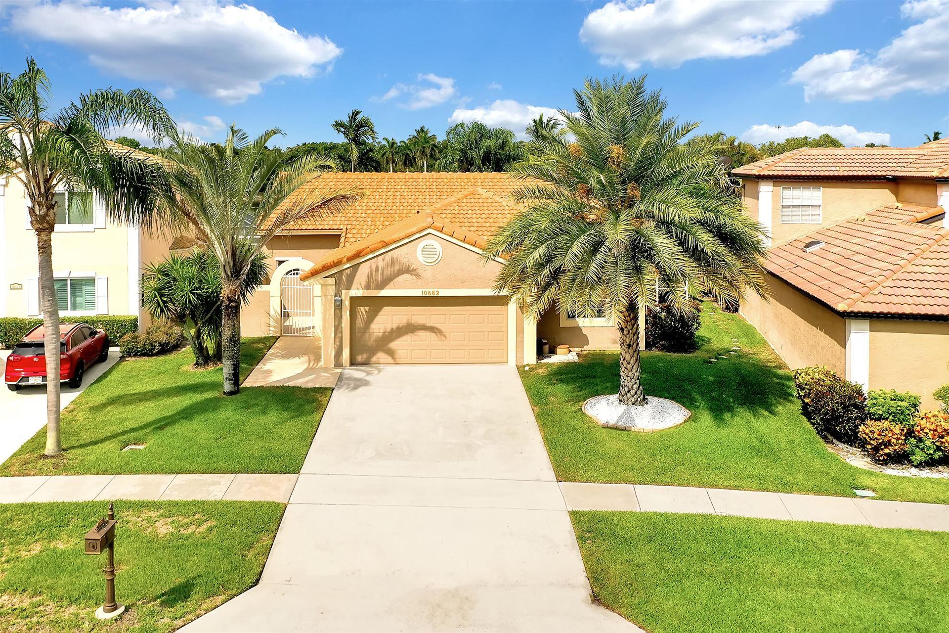 10682 Pebble Cove Lane, Boca Raton, FL 33498 - #: RX-10724598