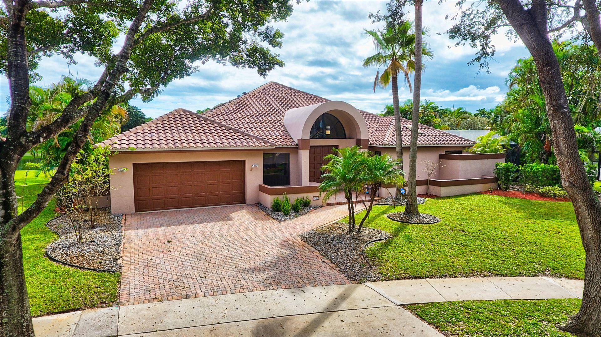 Photo of 20544 Sausalito Drive, Boca Raton, FL 33498 (MLS # RX-10674600)