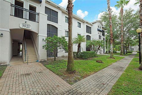 Foto de inmueble con direccion 3021 Alcazar Place #307 Palm Beach Gardens FL 33410 con MLS RX-10663602