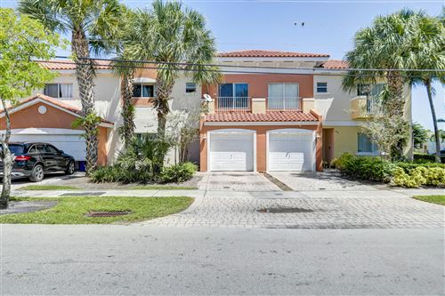 Photo of 204 NW 14th Avenue, Fort Lauderdale, FL 33311 (MLS # RX-10745603)