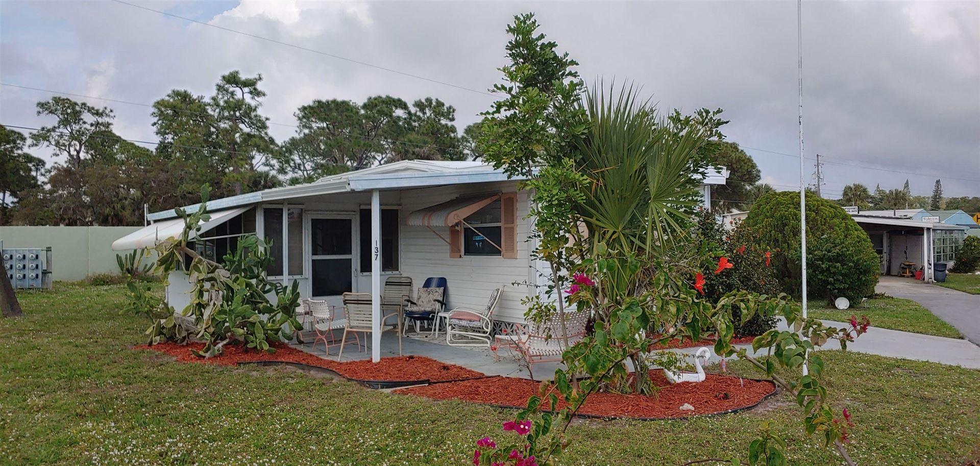 137 SE Tudor Court SE, Stuart, FL 34994 - #: RX-10600603