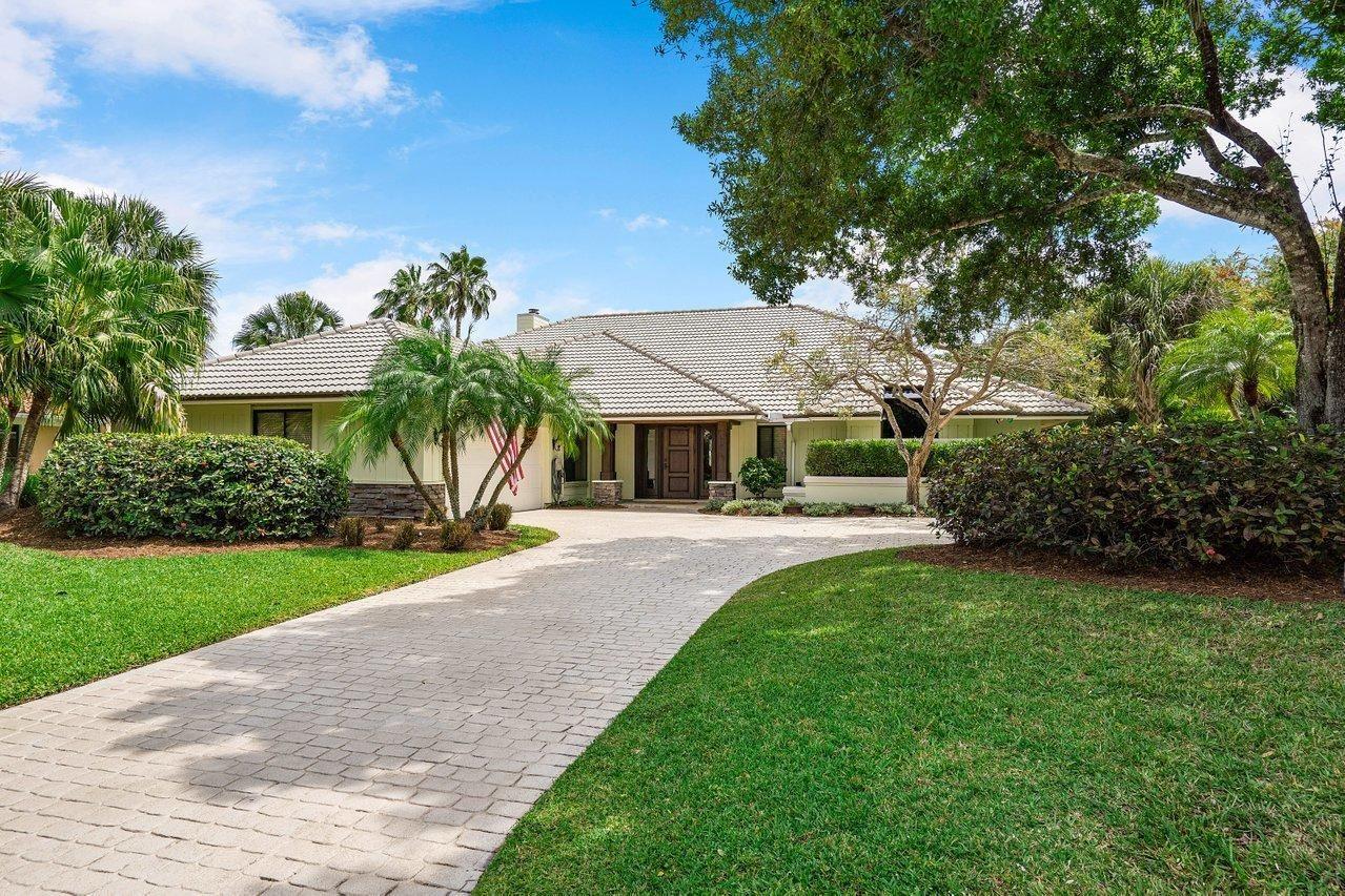 Photo of 187 Thornton Drive, Palm Beach Gardens, FL 33418 (MLS # RX-10706605)