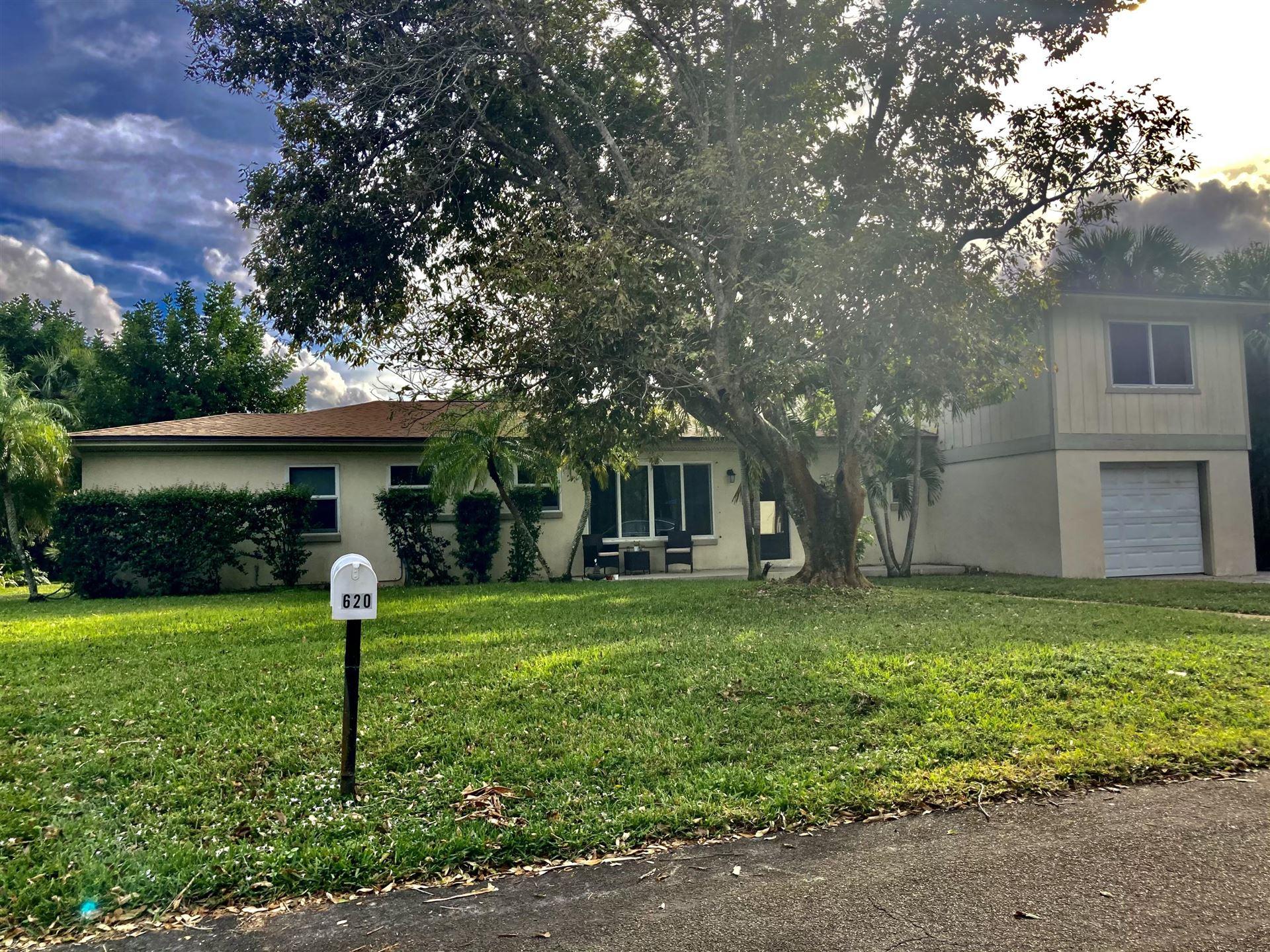 620 SE 5th Street SE, Stuart, FL 34994 - #: RX-10681615