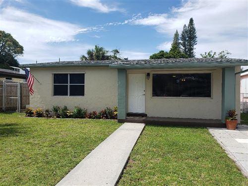 Photo of 948 Francis Street, West Palm Beach, FL 33405 (MLS # RX-10614616)
