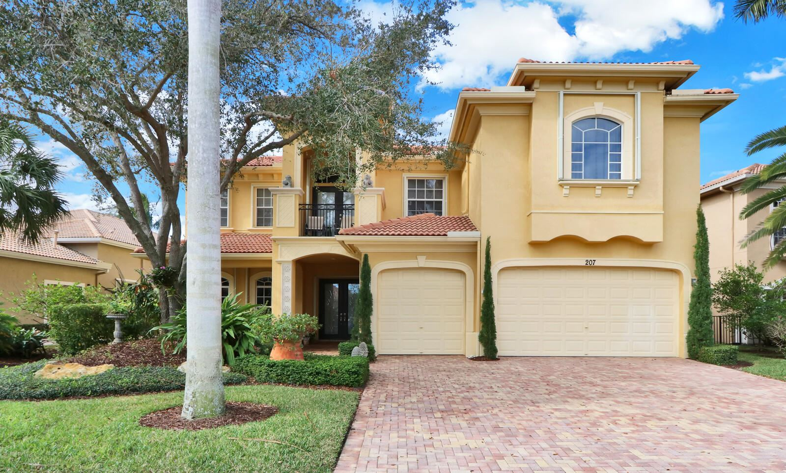 Photo of 207 Montant Drive, Palm Beach Gardens, FL 33410 (MLS # RX-10683616)