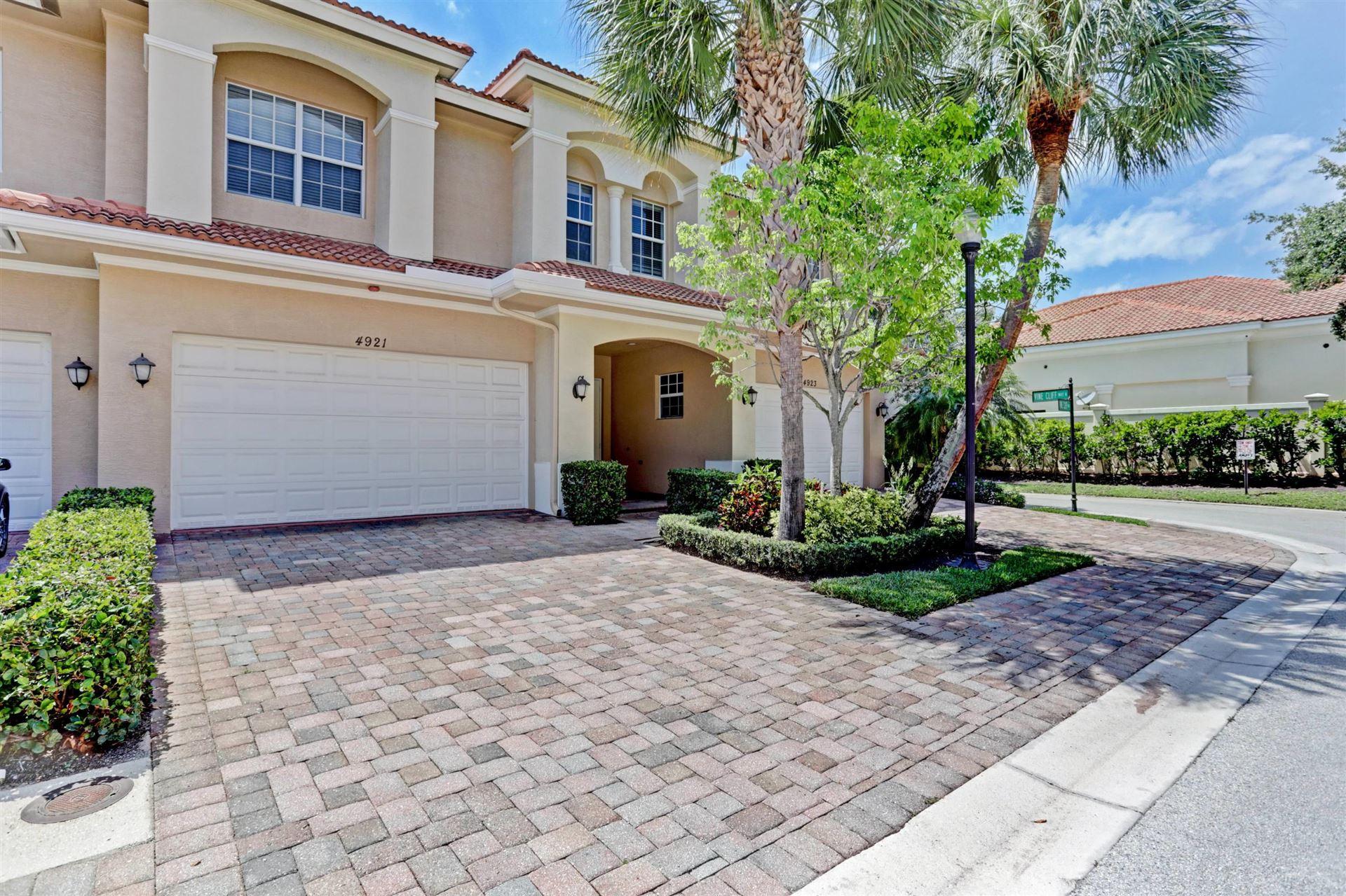 Photo for 4921 Vine Cliff Way E, Palm Beach Gardens, FL 33418 (MLS # RX-10714616)