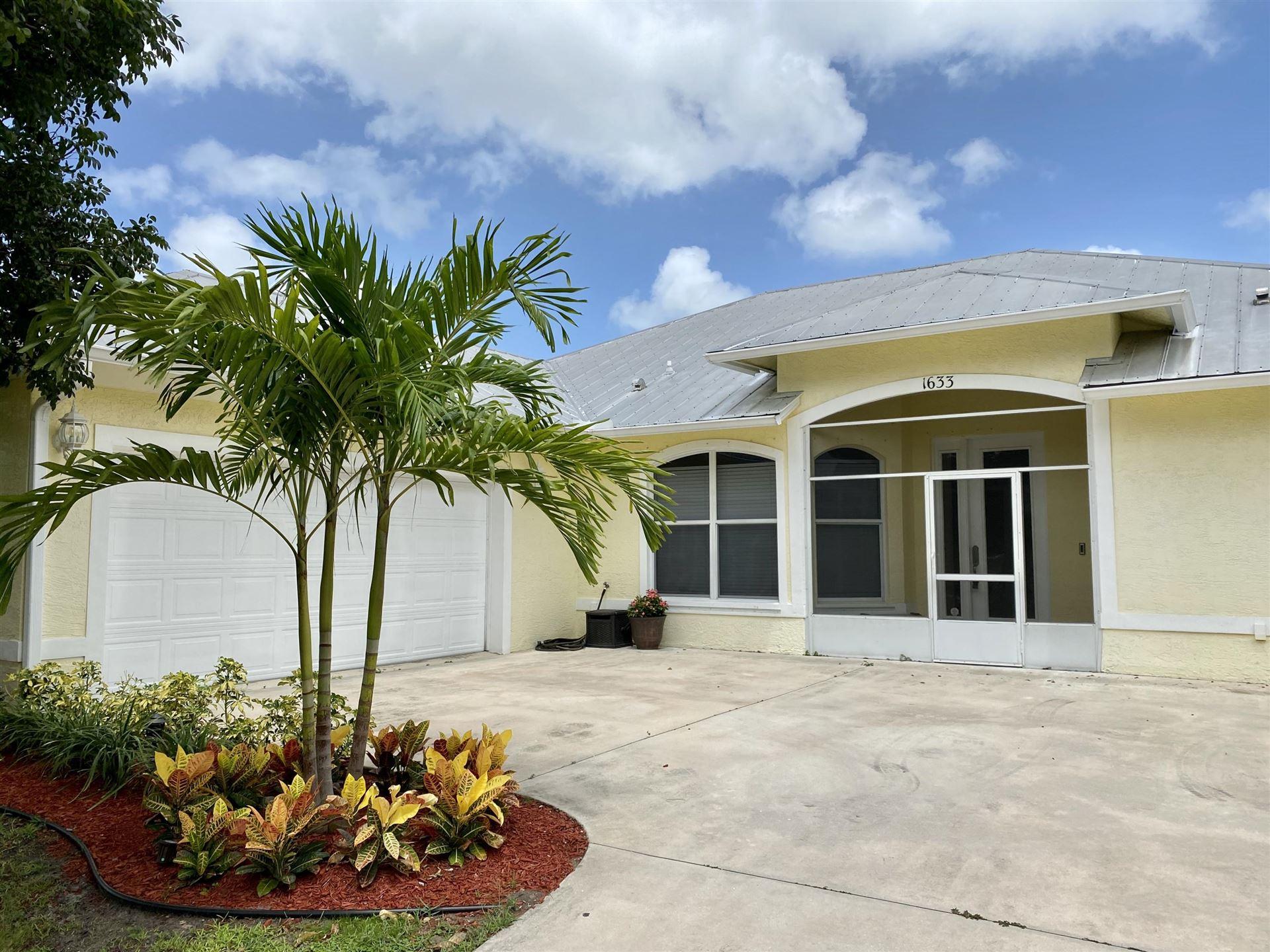 1633 SE Airoso Boulevard, Port Saint Lucie, FL 34983 - #: RX-10650617