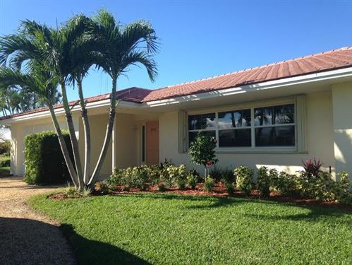 Photo of 8553 SE Banyan Tree Street, Hobe Sound, FL 33455 (MLS # RX-10614618)