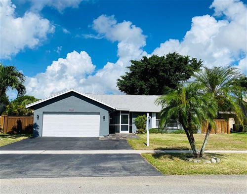 Photo of 9648 Richmond Circle, Boca Raton, FL 33434 (MLS # RX-10645619)
