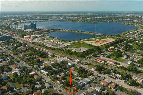 Photo of 900 8th Street, West Palm Beach, FL 33401 (MLS # RX-10489621)