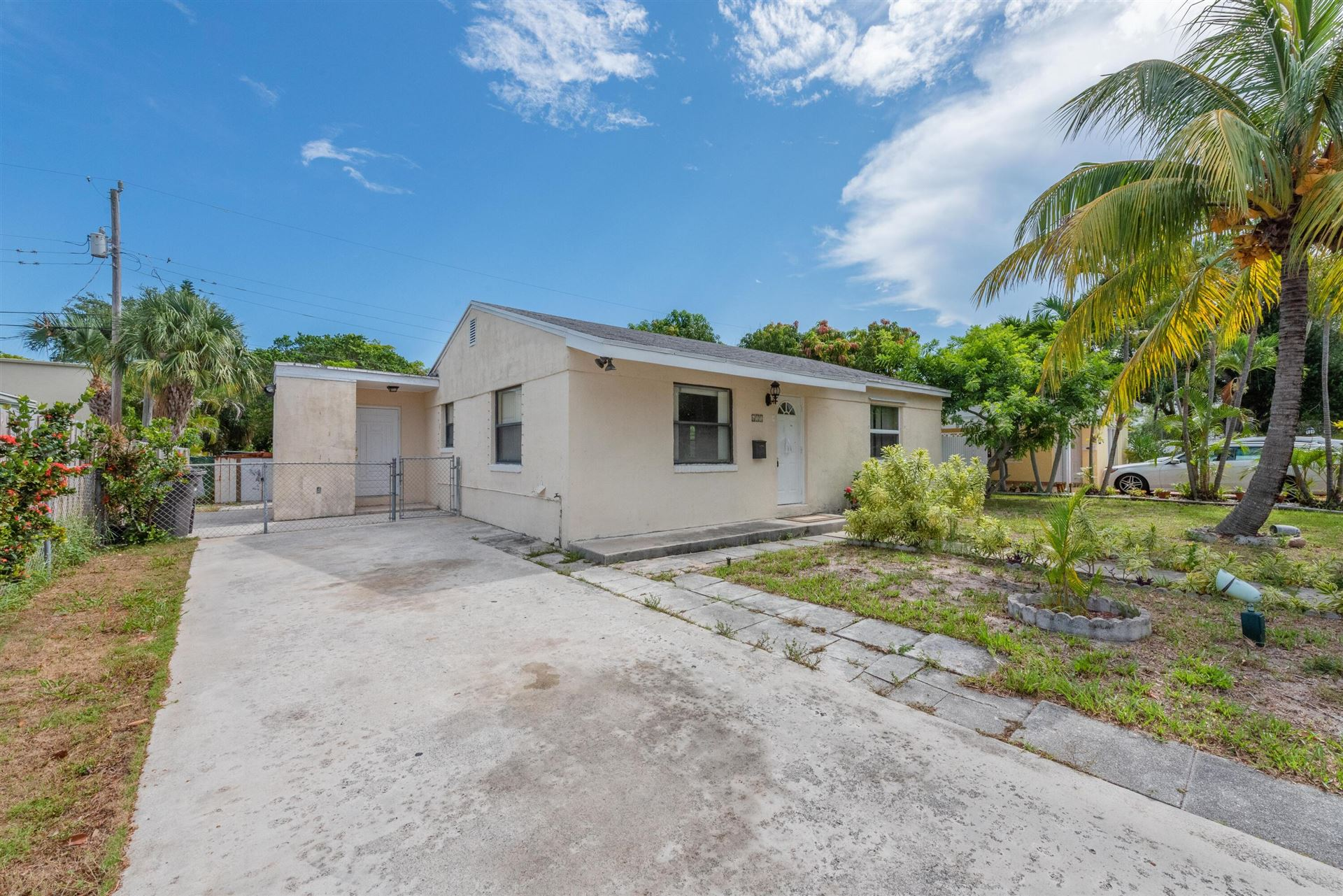 611 Monceaux Road, West Palm Beach, FL 33405 - MLS#: RX-10700623