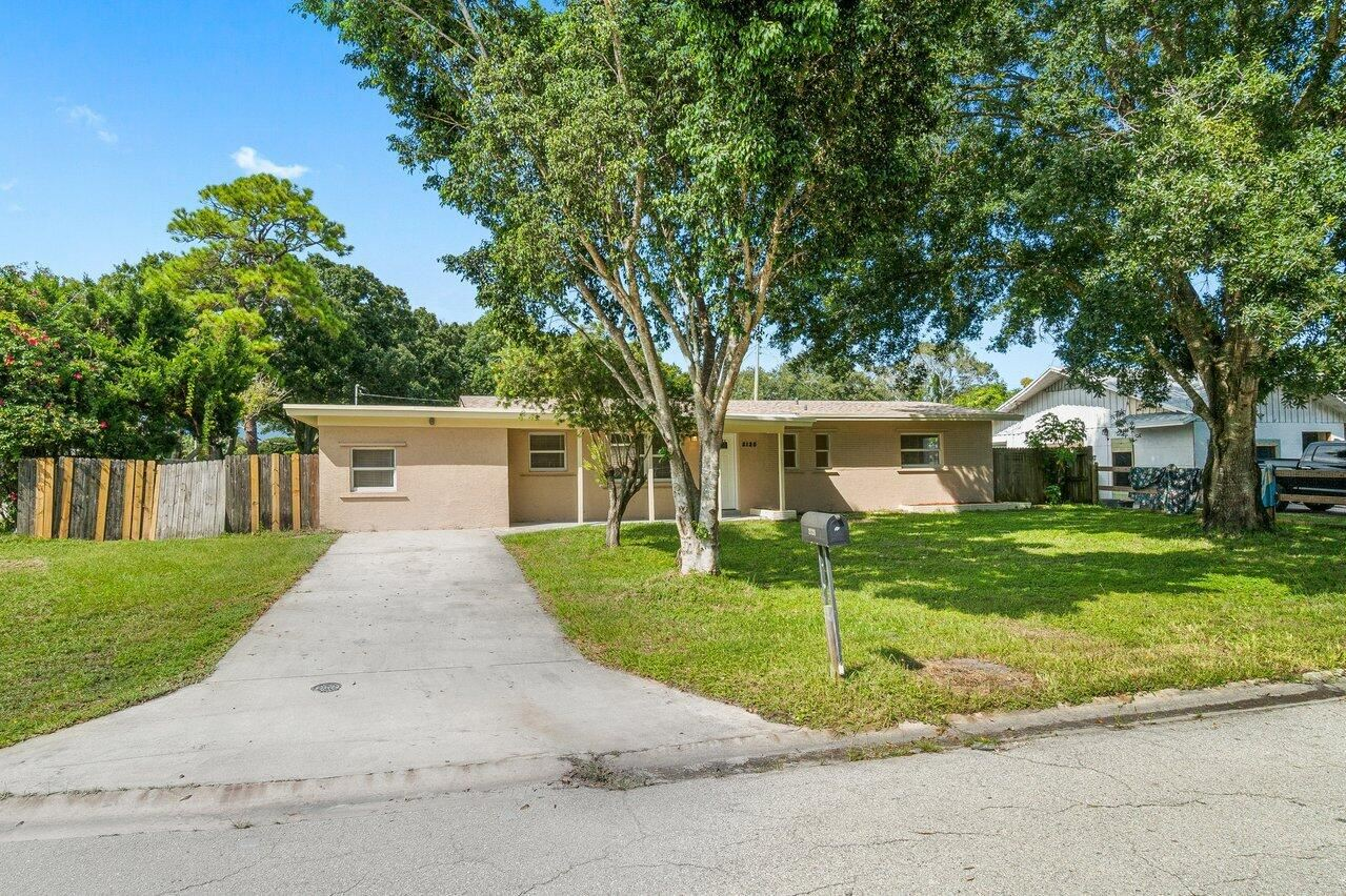 Photo of 2120 Esplanade Avenue, Fort Pierce, FL 34982 (MLS # RX-10746623)